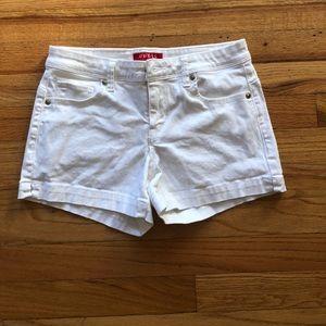 NWOT White Guess Shorts
